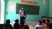 Nghệ An: Cậu bé người Khơ Mú nhặt được vàng trả lại người đánh mất