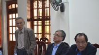 Đồng chí Trương Đình Tuyển làm việc ở Con Cuông về phát triển rừng giàu