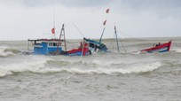 Tàu của ngư dân Nghệ An gặp nạn tại Quảng Bình, 6 người chết và mất tích