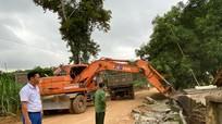 Người dân huyện Nghĩa Đàn tự nguyện hiến đất mở rộng tuyến đường miền Tây