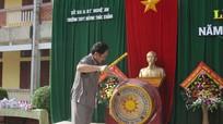 Đồng chí Thái Văn Hằng dự lễ khai giảng tại Trường THPT Huỳnh Thúc Kháng
