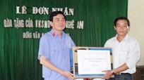 Viện Kiểm sát nhân dân tỉnh Nghệ An tặng quà xã Đồng Văn