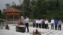 Tỉnh Đoàn Nghệ An và Hội Cựu Thanh niên xung phong dâng hương tưởng niệm các liệt sỹ Truông Bồn