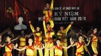 Đồng chí Lê Xuân Đại chúc mừng ngày nhà giáo tại Trường THCS Nghi Hương và Trường CĐ Kinh tế kỹ thuật