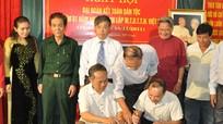 Đồng chí Lê Xuân Đại dự Ngày hội Đại đoàn kết dân tộc tại phường Hồng Sơn (TP Vinh)