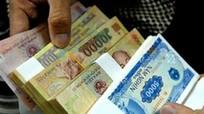 """Đổi tiền lẻ, tiền mới: """"Khát"""" mệnh giá 20.000 đồng"""