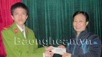 Một chiến sỹ công an Nghệ An trả lại hơn 40 triệu đồng cho người đánh mất