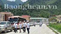 Đoàn caravan Lào tới Nghệ An tham dự Chương trình kỷ niệm 122 năm Ngày sinh Chủ tịch Hồ Chí Minh