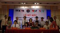 Ký kết phối hợp truyền thông giữa Bộ Y tế với TTXVN, VOV và VTV