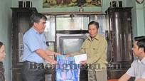 Sở Xây dựng tặng quà gia đình TB-LS tại huyện Quỳ Hợp