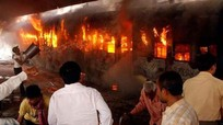 Cháy tàu hỏa Ấn Độ, 47 người chết
