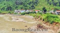 Hiểm họa sạt lở đất bờ sông Nậm Mộ (Kỳ Sơn)