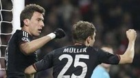 Nhấn chìm Emirates, Bayern đặt 1 chân vào tứ kết