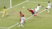 """Torres lại nổ, TBN """"dắt"""" Uruguay vào bán kết"""