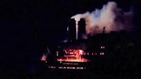Tàu cẩu 25.000 tấn bốc cháy dữ dội tại Bà Rịa-Vũng Tàu