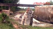 Ngọc Sơn (Quỳnh Lưu): Mưa lớn gây sập cầu Ba Lĩnh