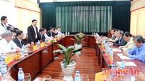 Lãnh đạo tỉnh trao đổi kinh nghiệm thu hút đầu tư tại Quảng Ngãi