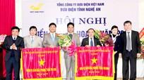 Bưu điện Nghệ An đón nhận Cờ thi đua xuất sắc của Chính phủ