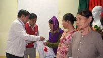 Đồng chí Tòng Thị Phóng thăm và làm việc tại Quỳ Châu