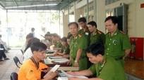 Bị cận thị vẫn được đăng ký dự tuyển vào các trường công an nhân dân
