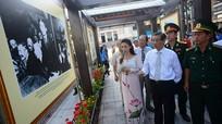 Triển lãm ảnh kỷ niệm 124 năm Ngày sinh Chủ tịch Hồ Chí Minh