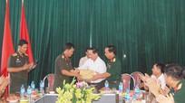 Huyện Anh Sơn đón tiếp đoàn BCH Quân sự tỉnh Xiêng Khoảng