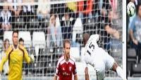 Năm bàn thắng đẹp nhất vòng ba Ngoại hạng Anh