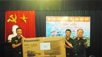 Hội Cựu chiến binh tỉnh thăm, tặng quà CB CS Đảo Mắt, Đảo Ngư