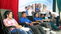 """Quỳnh Lưu: Gần 1.000 người tham gia """"Ngày hội hiến máu tình nguyện"""""""