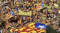 Hàng ngàn dân Catalonia tuần hành đòi tổ chức tổng tuyển cử