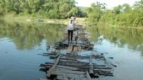 TX Hoàng Mai: Ẩn họa khi qua sông bằng cầu tạm
