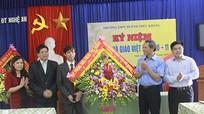 Đoàn công tác Ban đối ngoại thăm Trường THPT Huỳnh Thúc Kháng