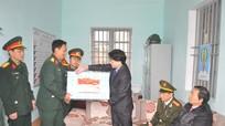Lãnh đạo tỉnh thăm, tặng quà cán bộ chiến sĩ Đảo Ngư, Đảo Mắt