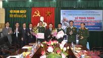 Lãnh đạo tỉnh và Hội DN tặng quà CBCS đảo Ngư, đảo Mắt