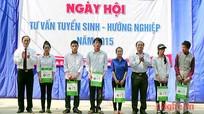 Yên Thành: Ngày hội tư vấn tuyển sinh– hướng nghiệp năm 2015