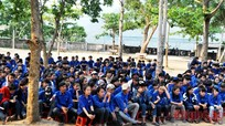 Trường CĐ VHNT Nghệ An giao lưu và hướng nghiệp tuyển sinh tại Tương Dương