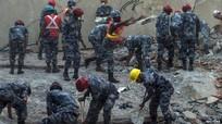 Hàng chục người thiệt mạng trong trận động đất gần núi Everest