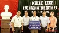 Thanh tra tỉnh tặng xã Quang Phong 50 tấn xi măng