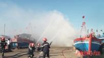 Diễn tập chữa cháy tàu thuyền cho ngư dân