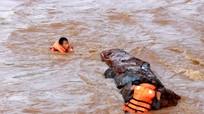 Cận cảnh lũ trên dòng Nậm Mộ (Kỳ Sơn)