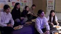 Phim tài liệu về 6 anh em không ra khỏi nhà trong 14 năm gây sốt