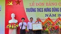 Trường THCS Hưng Dũng đón nhận danh hiệu trường chuẩn quốc gia