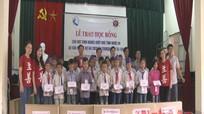 Tổ chức C.I trao học bổng cho học sinh nghèo vượt khó