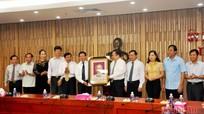 Tăng cường trao đổi, hợp tác Nghệ An- Cao Bằng