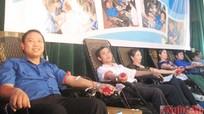"""Hơn 1.100 người tham gia """"Ngày hội hiến máu tình nguyện"""""""
