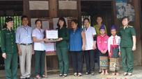 Khám bệnh miễn phí cho phụ nữ vùng biên giới huyện Tương Dương