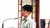 Phạm nhân đâm bị thương quản giáo lĩnh án 2 năm tù