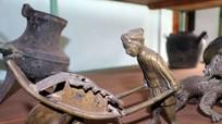 """""""Khám phá"""" kho cổ vật quý giá của Bảo tàng Nghệ An"""