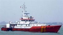 Cứu nạn 7 thuyền viên và tàu cá gặp nạn trên vùng biển Hoàng Sa
