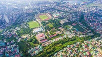 Hào Thành cổ Vinh nhìn từ trên cao